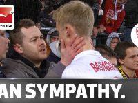 サッカーファンの鏡! 降格争いの大事な試合でミスした選手を慰めるサポーター